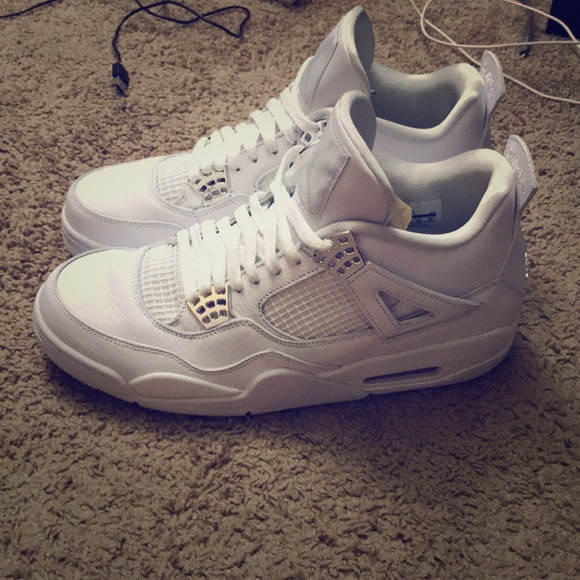 new products 16f0c a910a Air Jordan retro 4's all white